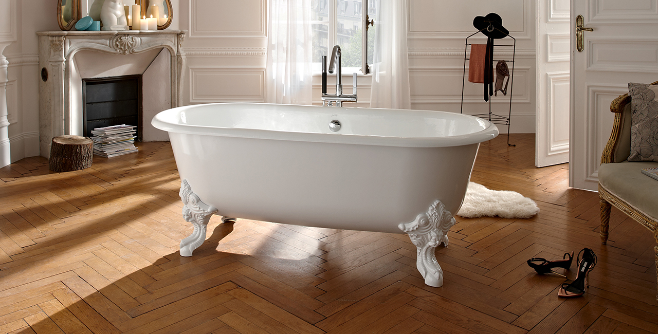 Cleo Freestanding Enameled Cast Iron Bath
